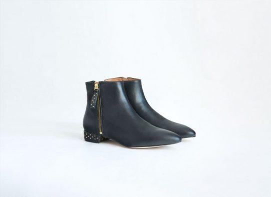 botin bota cuero negro tachuelas fur for you