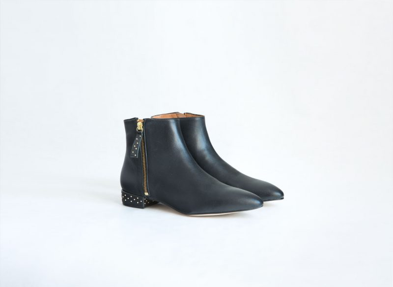 botin bota cuero negro tachuelas fur for you