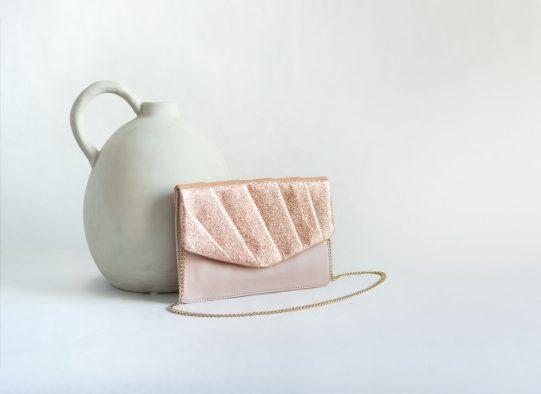 bolso fiesta clutch cuero rosa metalizado