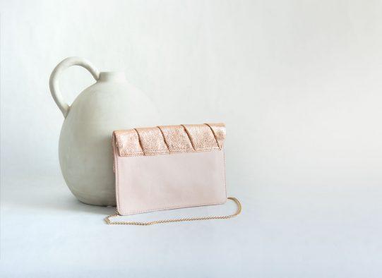 bolso fiesta clutch rosa cuero metalizado