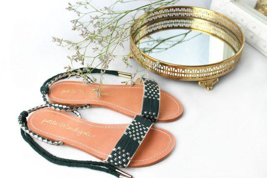 sandalia plana cuero verde